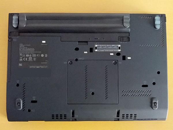 ThinkPad-X220-底面図