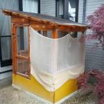 ニワトリ小屋 裏庭から取った写真