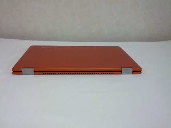 IdeaPad Yoga 13 背面図